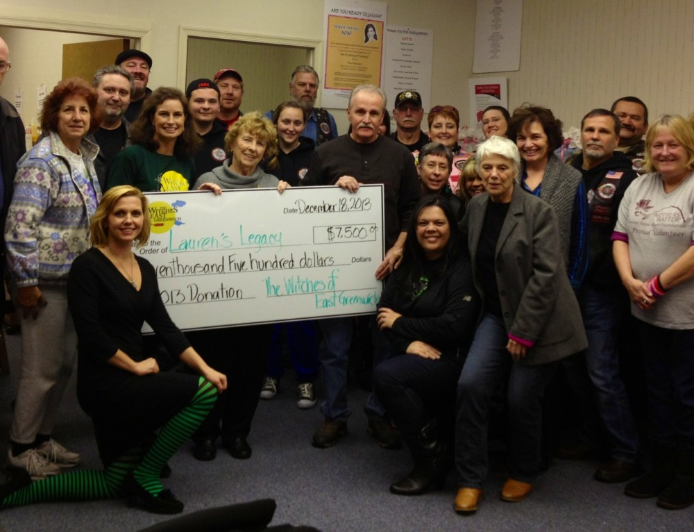 2013 Mothers Matter Receives Check
