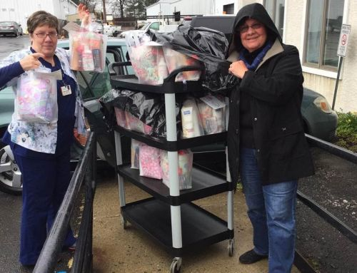 Mothers Matter Delivers Gift Bags to Fox Chase Cancer Center Chemotherapy Patients