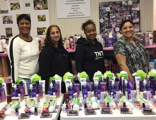 Jack and Jill Burlington-Willingboro Chapter Members Visit Mothers Matter