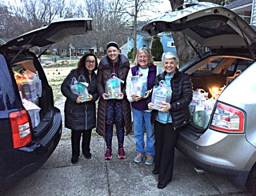 Special Delivery of Mothers Matter Gift Bags for Penn/Virtua Cancer Program Patients