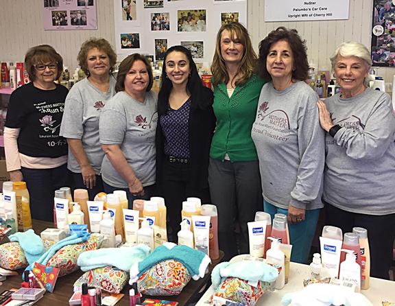Washington Twp Mayor Joann Gattinelli Visits Mothers Matter Headquarters